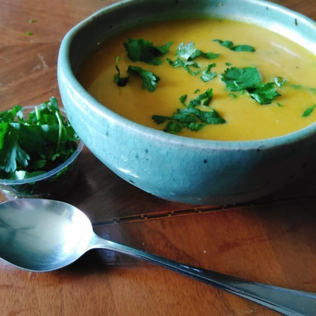 Butternut squash and fuji apple soup 1
